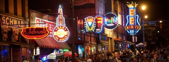 beale-street-memphis-at-night